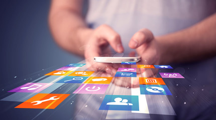 Apps-How- Screen-Mirror-iPhone-Samsung TV - WikiTechGo